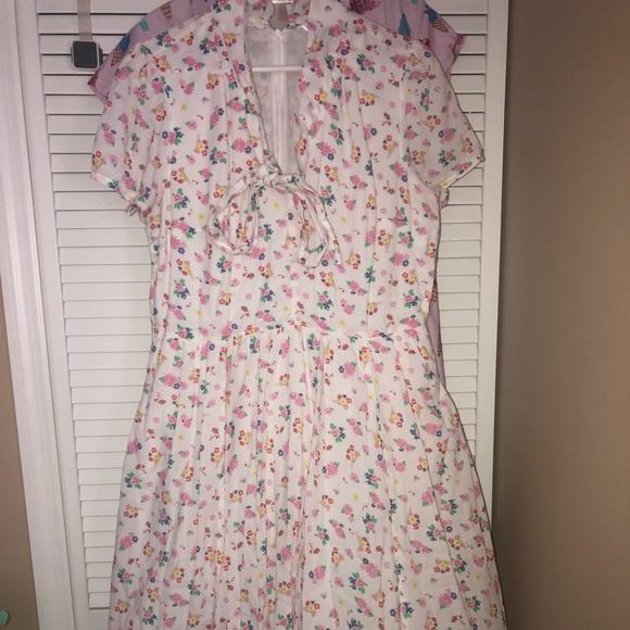 eshakti Dresses & Skirts - EShakti spring print dress 1x-16